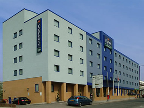 express_holiday_inn_park_royal.jpg